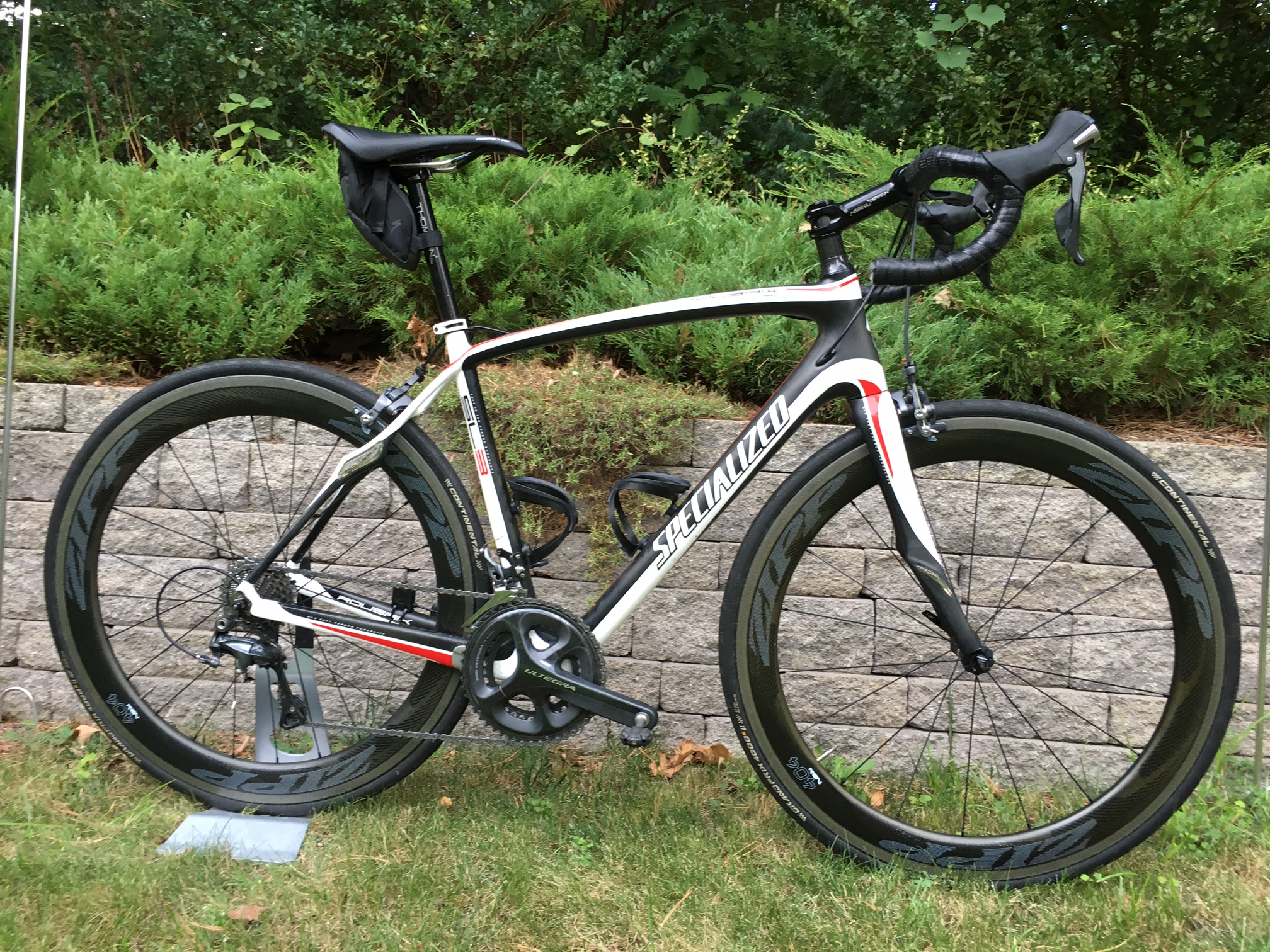 ZIPP 404 NSW – A TOP PICK FOR FLAT ROAD RACES, CRITS, TTs OR