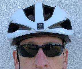 Oakley ARO5 Aero road helmet